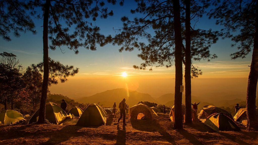 Faire du camping en France : des vacances moins chères