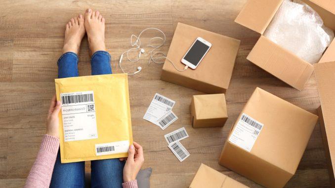 Prépare son colis Vinted, l'emballer et l'envoyer pour valider votre vente
