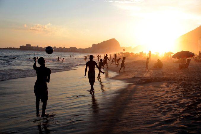 Les merveilleuses plages du Brésil. Ici la célèbre Copacabana