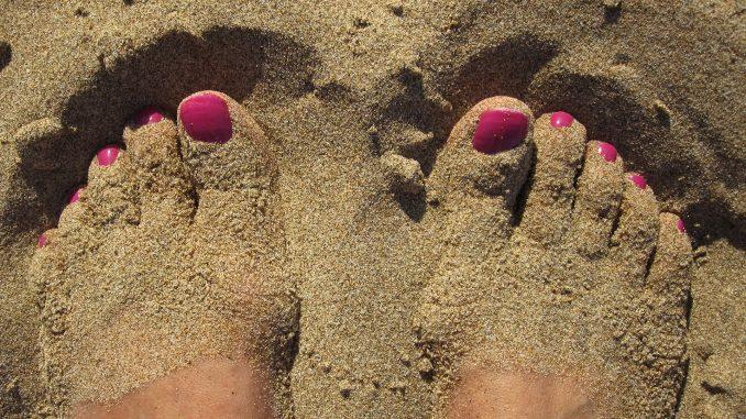 Vacances les pieds dans le sable en France : nos conseils